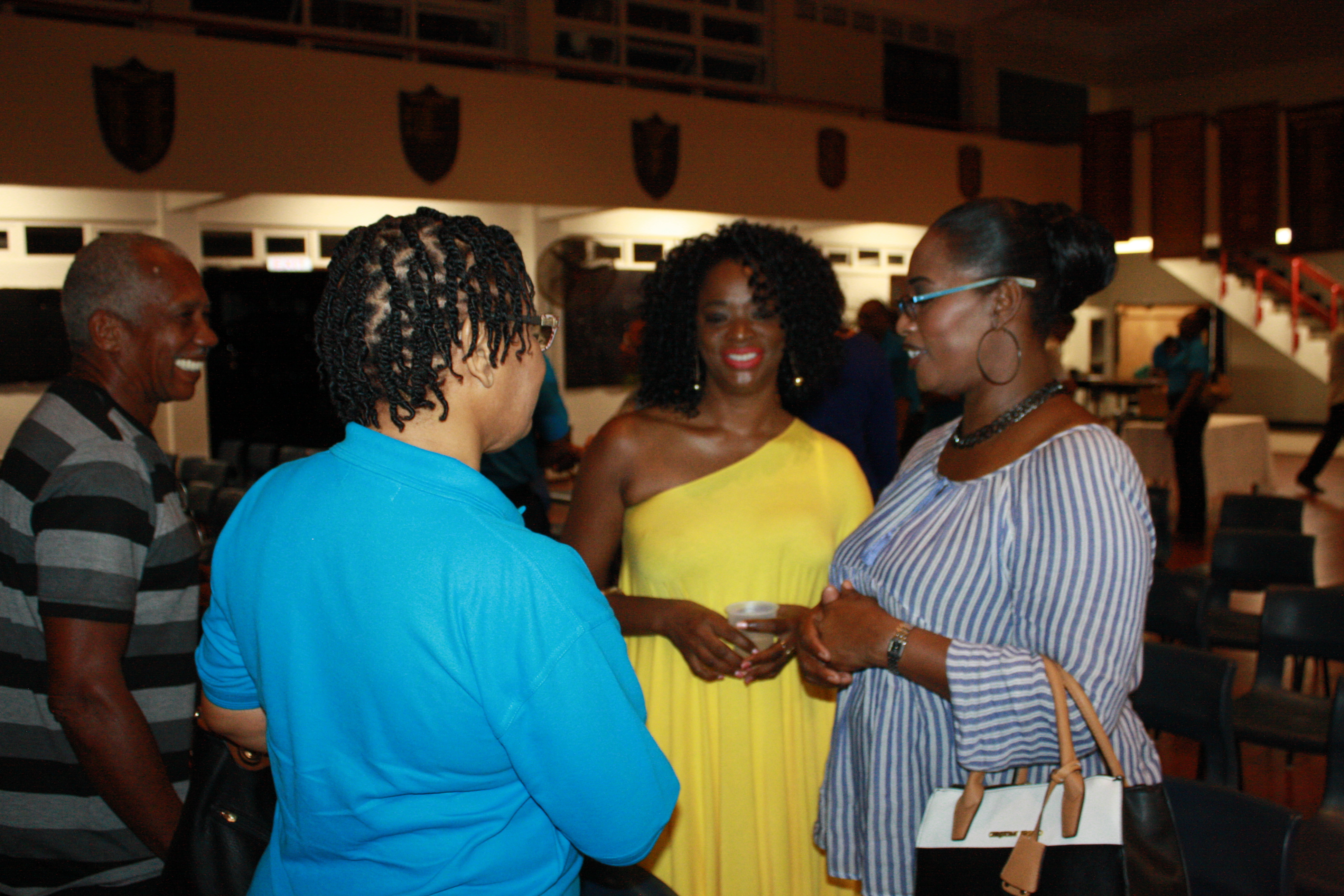 Members and guests mingle